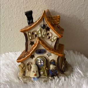 """Beautiful Halloween candle house in 6"""" tall"""